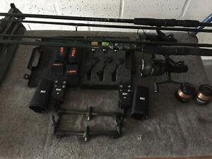 Set!!! Fox Rod Pod Sportex Carp Ruten Delkim Bissanzeiger Swinger Shimano