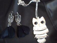 lot 1 pendentif argenté hibou 1 boucles d oreille hibou plumes noires