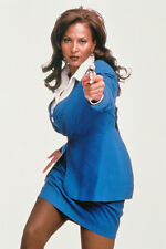 Pam Grier Studio Pose Short Skirt Pointing Gun As Jackie Brown 11x17 Mini Poster