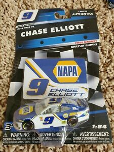 Chase Elliott 2019 NASCAR Authentics 1/64 Diecast - Wave 2 NAPA with Magnet
