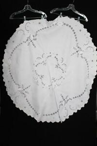 RARE VINTAGE 1940'S-1950'S  LINEN HAND EMBROIDERED TABLE CLOTH 64 INCH DIAMETER