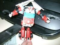 HASBRO TRANSFORMERS DELUXE ANIMATED UNIVERSE AUTOBOT RATCHET LOOSE ACTION FIGURE
