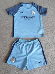 Manchester city football kit 2016 6-7 years old