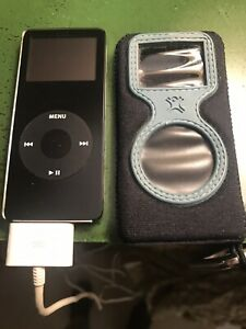 Apple iPod Nano 1st Generation Black (4GB)