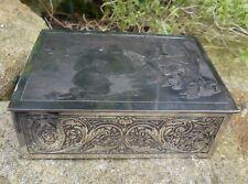 Coffret ou Boite à Bijoux Art Nouveau en métal argenté ciselé, intérieur en soie