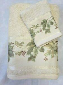 Croscill Ivy Berry Towel Set 1 Bath Towel and 1 Washcloth Cheri Blum