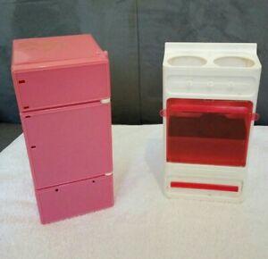 Lot de Meuble Barbie réfrigérateur congélateur et gazinière