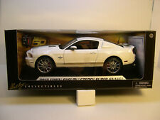 WHITE 2012 FORD SHELBY GT500 SUPER SNAKE SHELBY 1:18 SCALE DIECAST METAL CAR