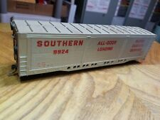Z5 Ho Scale Train Southern Silver Red All Door 9924 knucklers