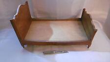 petit meuble ancien lit en bois travail d'ébeniste vintage