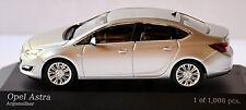 Opel Astra J Stufenheck 2012-14 argonsilber silver metallic 1:43 Minichamps