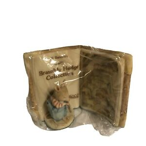 Enesco Jill Barklem Brambly Hedge Wilfred Store Plaque Figurine #618268 Vtg 1990