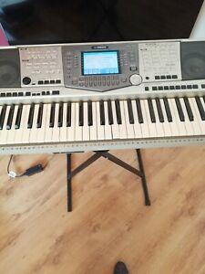 Yamaha keyboard PSR 2000 With Stand