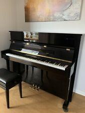 Klavier Marke Irmler P118 in ausgezeichnetem Zustand mit passendem Klavierhocker