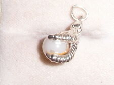 959F VINTAGE STERLING SILVER CLAW WITH PEARL BALL CHARM/PENDANT