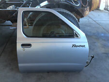 98-00 Nissan Frontier Xterra Right Passenger Power Front Door w/ Window Silver