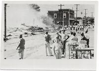 Wirkung japanischer Bomben auf Honolulu. Orig-Pressephoto um 1942
