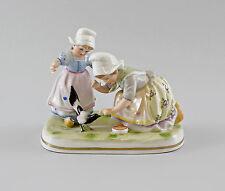 Porzellan Figurengruppe Vogelfütterung Mädchen Ernst Bohne 12x15cm 9997026