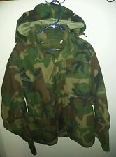 Vintage US Army Military Cold Weather Camouflage Field Jacket Sz medium short