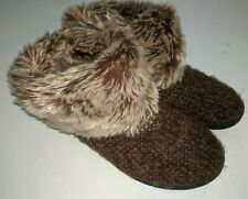 ISOTONER BOOTIE SLIPPERS FAUX FUR TOP SWEATER LIKE SIZE 8.5-9 BROWN MEMORY FOAM