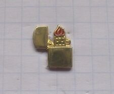 ZIPPO / AMERICAN CLASSIC  ...............Feuerzeug Pin (113d)