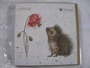 Wrendale Designs Klappkarte Grußkarte Igel mit Mohnblume und Biene
