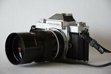 Appareil photo argentique NIKON avec objectif 135mm