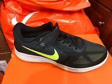 Nike Revolution 3 FlyEase Size 10 Men's Running Shoes 898089 002 FREE SHIP