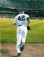 Mariano Rivera UNSIGNED 8x10 Photo New York Yankees