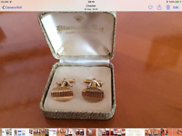 vintage diamond cut gold tone cufflinks. Box included  ...a very nice gift