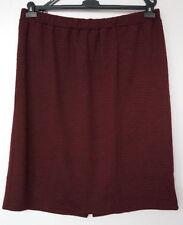 Faldas de mujer de color principal rojo de poliéster