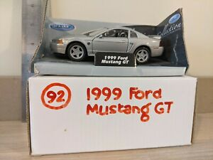 Welly 1999 Ford Mustang GT Silver DIE CAST CAR. 1:32 SCALE. FREE UK POSTAGE.