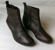 CLARKS WOMENS BROWN LEATHER FLAT LOW WEDGE ANKLE BOOTS SHOES SIZE UK 7 EU 41