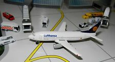 Lufthansa Airlines Modell Edition Boeing 737-300 1:500 Scale Mint in Box