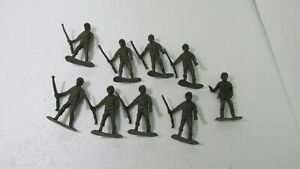 """Set Of 9 2.75"""" Green Plastic Army Men Soldiers Toy Lot t4076"""