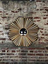 Glace / miroir soleil corolle en tôle doré avec oeil de sorcière Diam 90 cm
