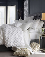100% cotton duvet in puckered design in white color