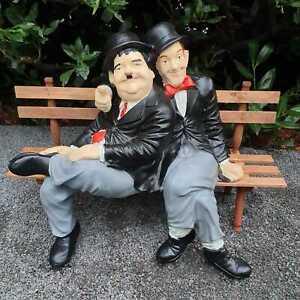 Stan Laurel & Oliver Hardy Dick und Doof auf Bank 55 cm Dekofigur Gartenfigur