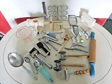 LARGE LOT OF MOSTLY VINTAGE KITCHEN WARE ITEMS