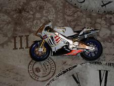 DE AGOSTINI - IXO - 1:24 - 2003 APRILIA RS3 - JEREMY McWILLIAMS RACING BIKE