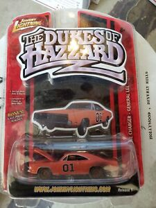 Johnny Lightning General Lee Series 1 Dirty Dukes Of Hazard Car + Cast Magnet