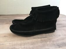 Womens Minnetonka Moccasins Ankle Boots With Fringe Size 6