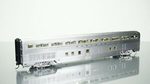 Walthers Limited Edition Santa Fe Hi-Level 72 Seat Coach HO scale