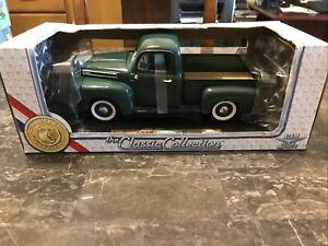 1948 Ford F1 Pick-Up 50th Anniversary 1:18 die cast Road Legends
