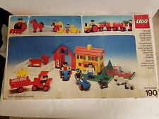 1974 LEGO BUILDING SET MODEL 190 WITH FIGURES AND WHEELS