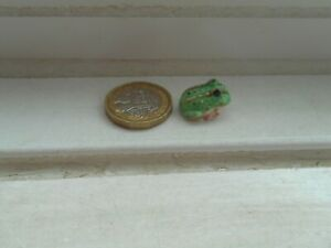 FROG - TINY TINY DETAILED MINIATURE - POTTERY GREEN WIDE MOUTH - PACMAN FROG