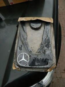 RARE BRAND NEW Genuine Mercedes W124 Front Mudflaps Mud Flaps Pair 200-300E