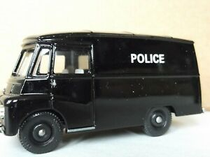 Lledo SL71003, Morris LD150 Van, Police, Heartbeat, Yorkshire Television Series