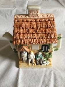 Leonardo Collection Novelty Ceramic Cottage Teapot