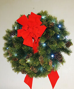 """Christmas Wreath Holiday Greenery Door Hanger With Lights Circumference 32"""" LED"""
